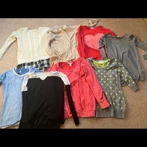 Maternity sweaters lot
